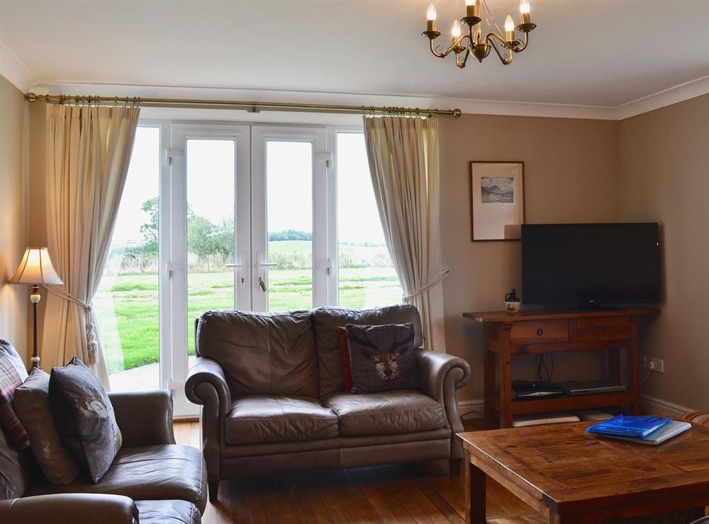 Living room at Chestnut Cottage in Prestwick, Ayrshire