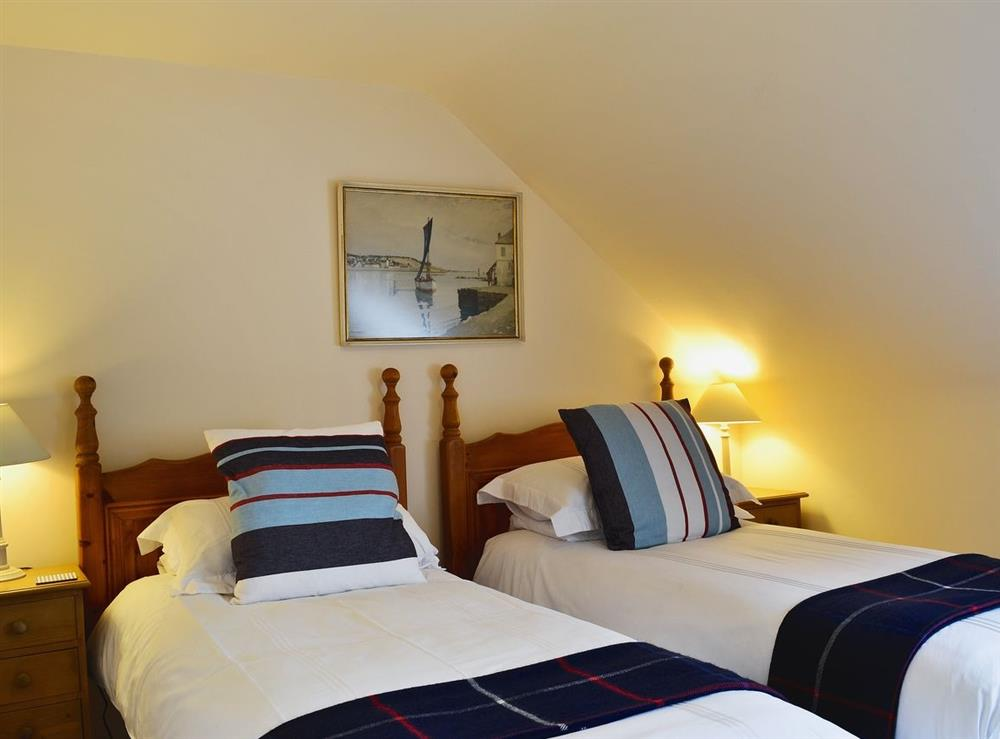 Twin bedroom at Chestnut Cottage in Prestwick, Ayrshire
