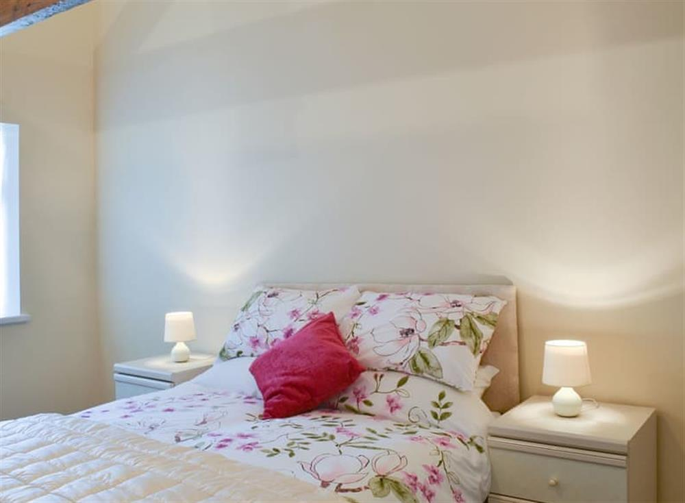 Cosy double bedroom at Christine Cottage in Flamborough, North Humberside