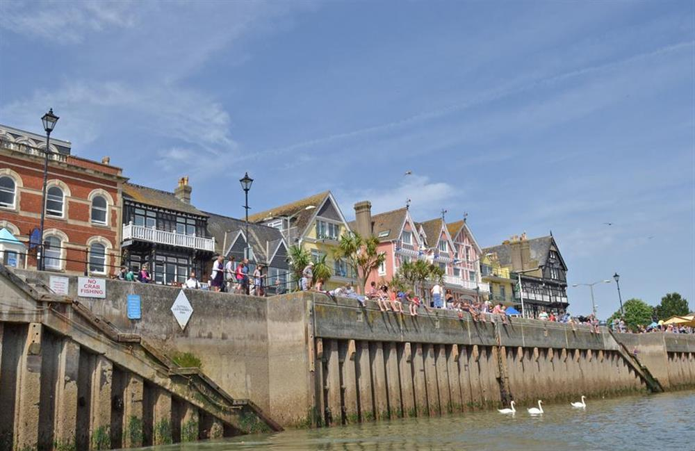Crabbing in Dartmouth at Clarence Cottage, Stoke Fleming