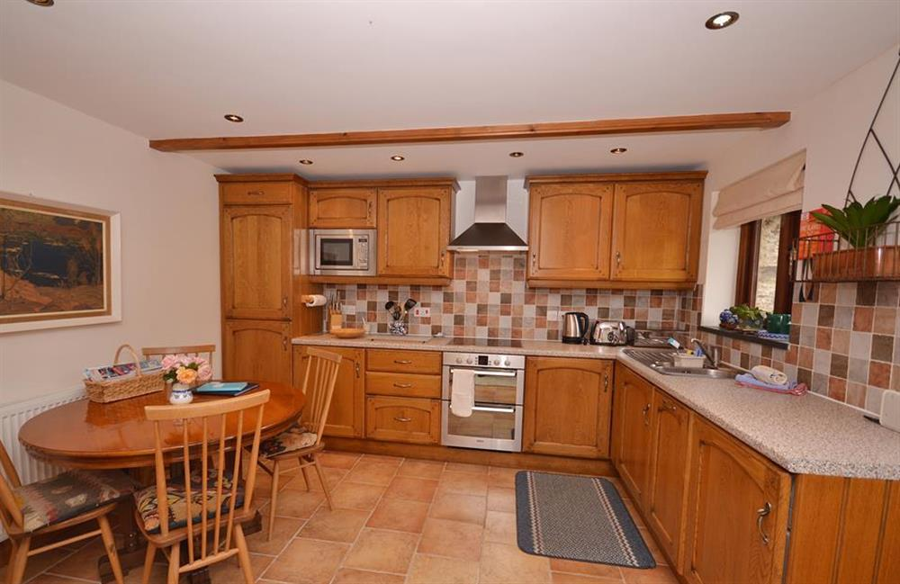 The well equipped kitchen diner at Clarence Cottage, Stoke Fleming
