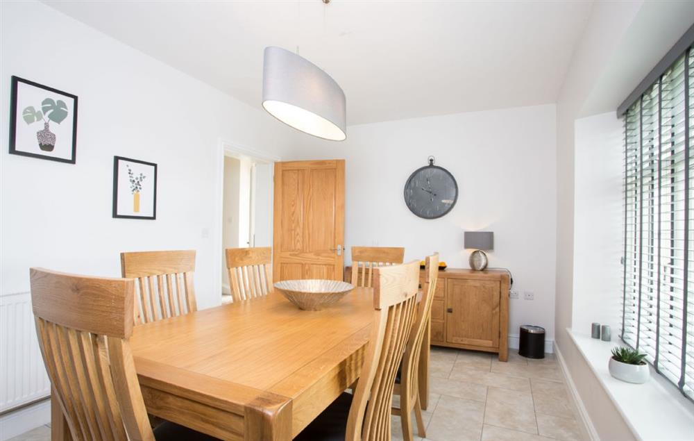 Ground floor: Dining table with seating for six