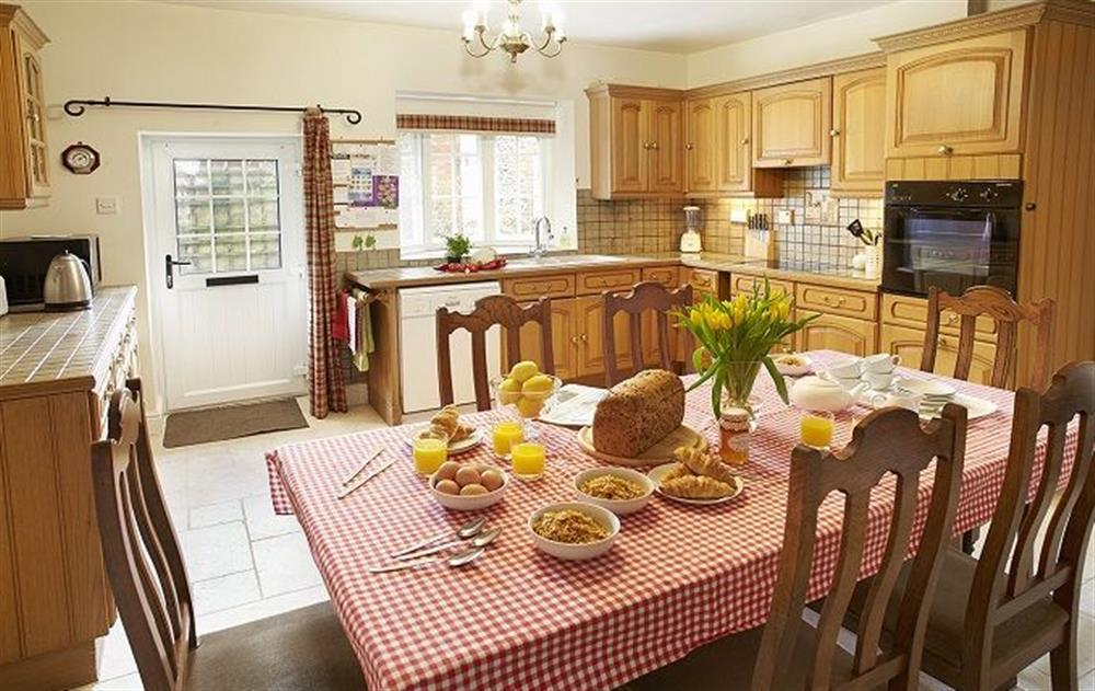 Ground floor:  Spacious kitchen/dining room at Clock Cottage, East Rudham