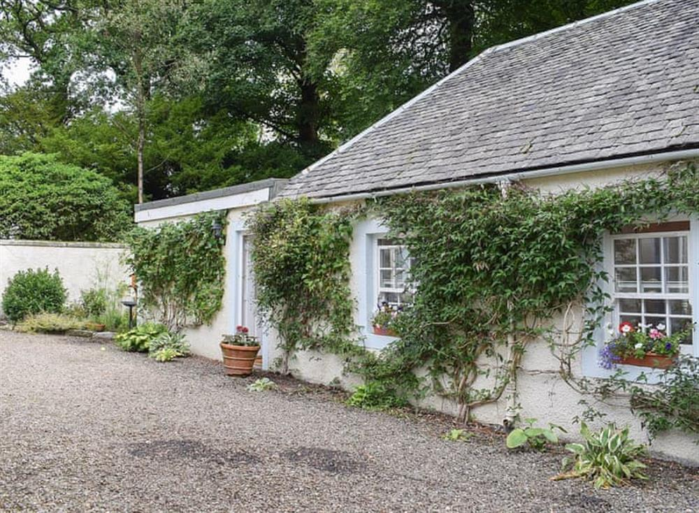 Romantic detached holiday cottage near Stirling at Coach Cottage in Denny, near Stirling, Stirlingshire