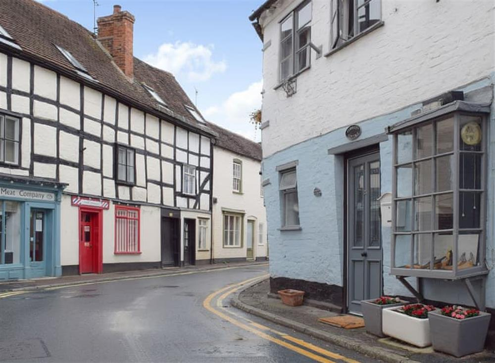 Cute Grade II listed, terraced cottage at Cobblers Cottage in Upton-upon-Severn, Worcestershire