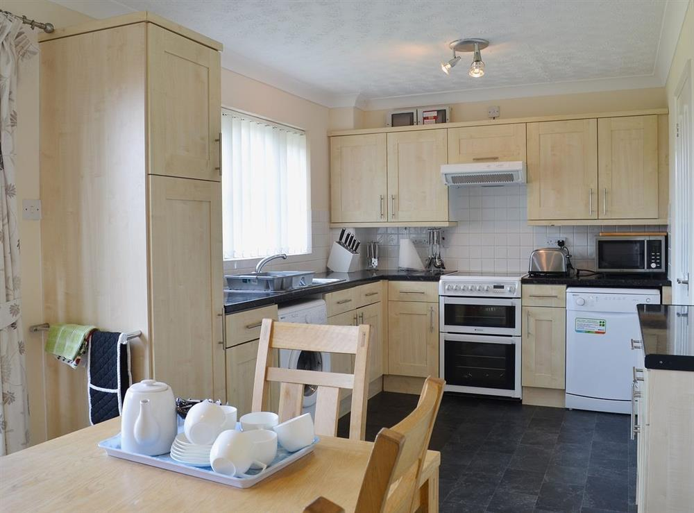 Kitchen/diner at Cockleshell Cottage in Sea Palling, Norfolk