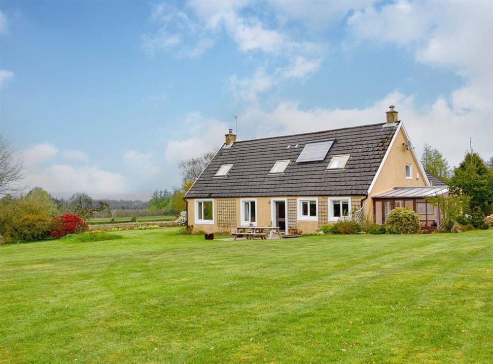 Wonderful detached holiday home at Collalis in Gartocharn, near Balloch, Dumbartonshire