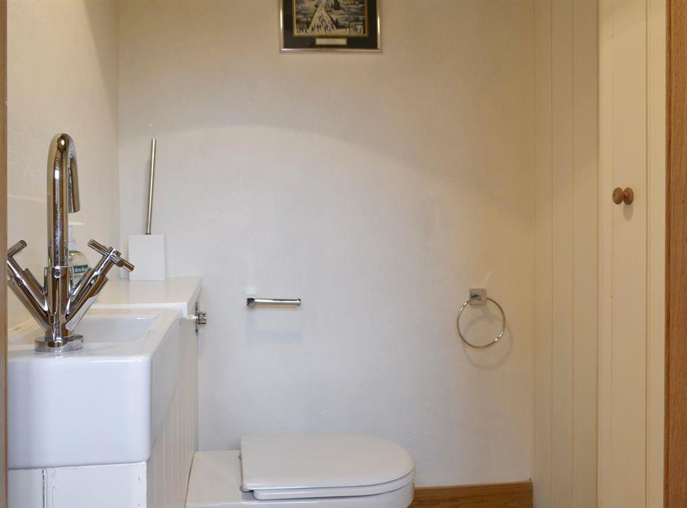 En-suite to ground floor double bedroom at The Dairy,