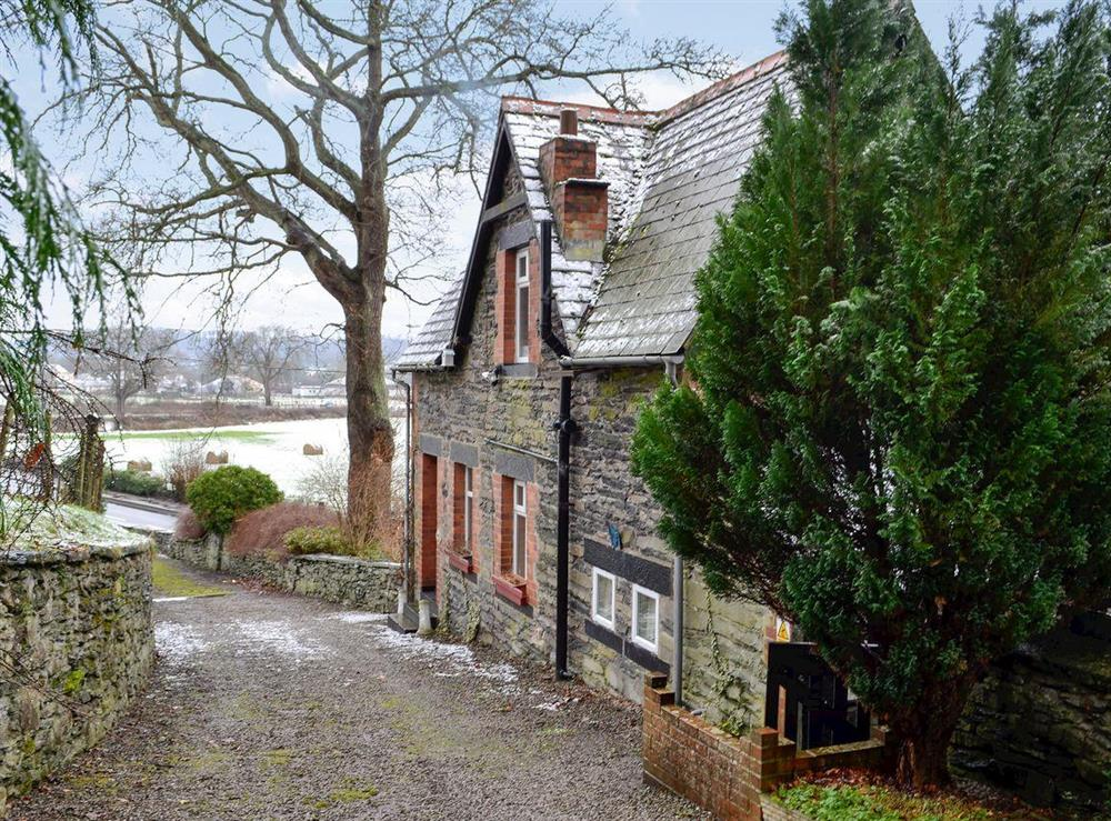 Delightful little holiday cottage at Colomendy Lodge in Corwen, Denbighshire