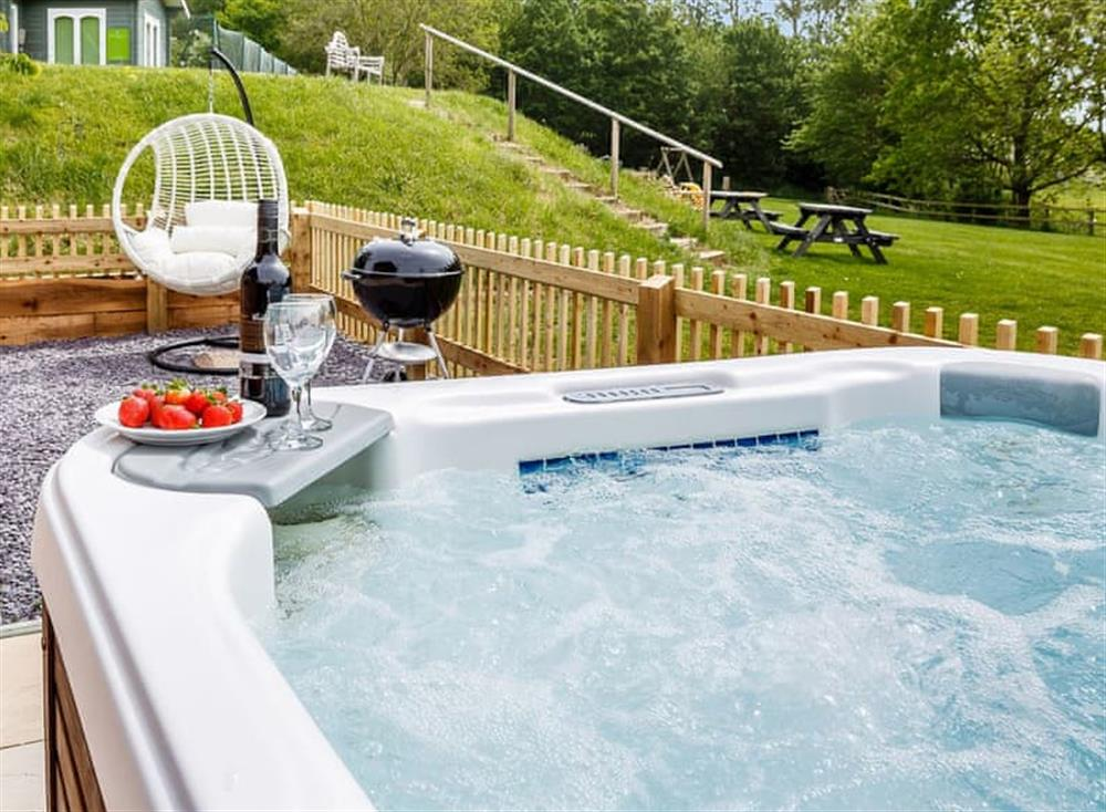 Hot tub at Constable Cottage in Nr Sudbury, Suffolk