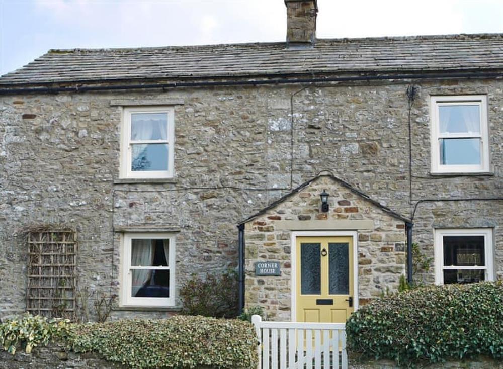 Lovely corner cottage