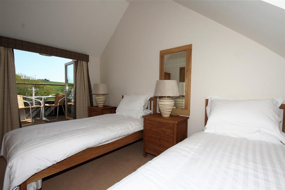 Twin room with balcony at Court Cottages 3 in Hillfield, Dartmouth
