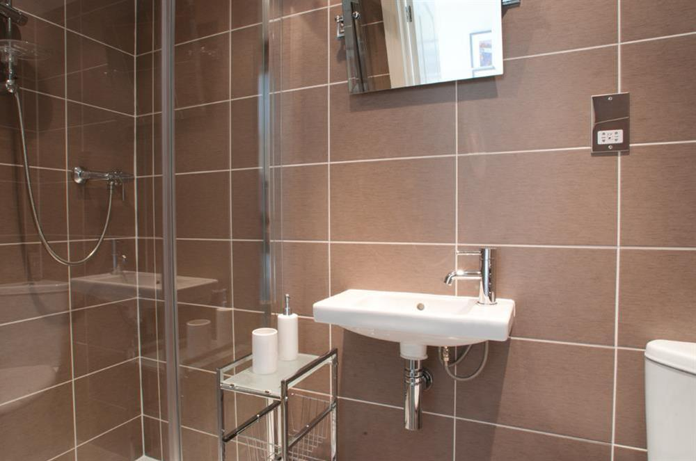 En suite bathroom (photo 2) at Courtyard House in , Dartmouth