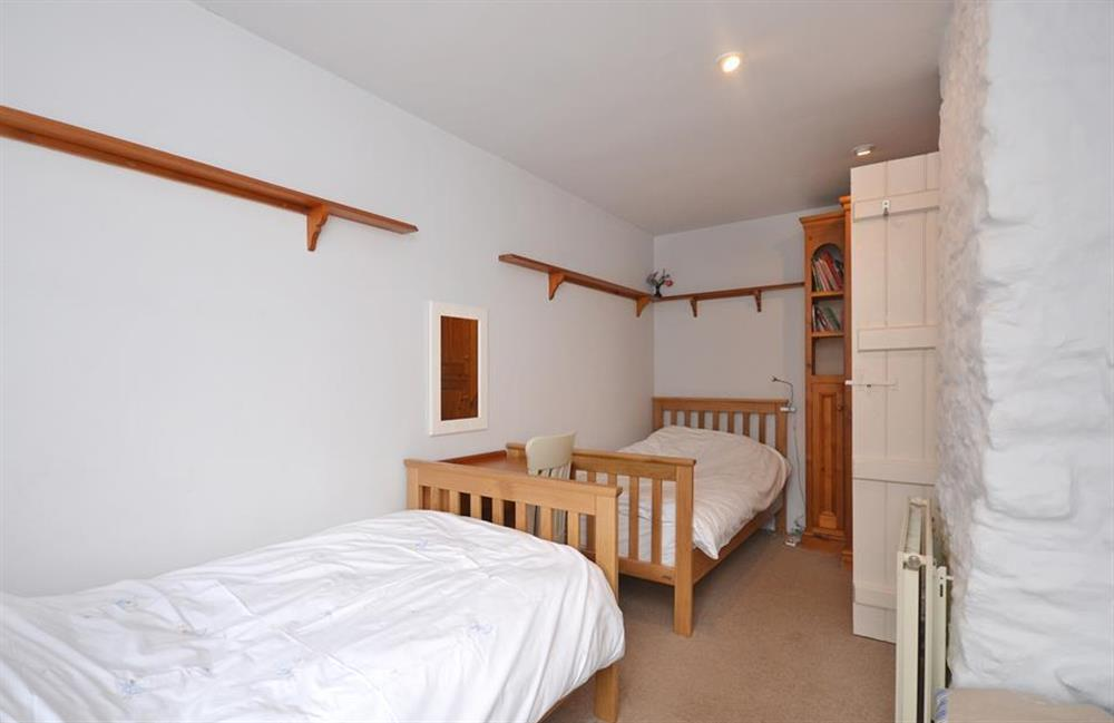 Another view of the twin bedroom at Crab Cottage, Stoke Gabriel