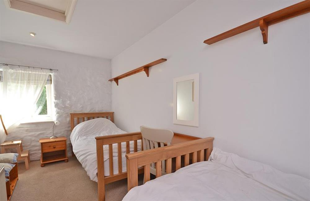 The twin bedroom at Crab Cottage, Stoke Gabriel