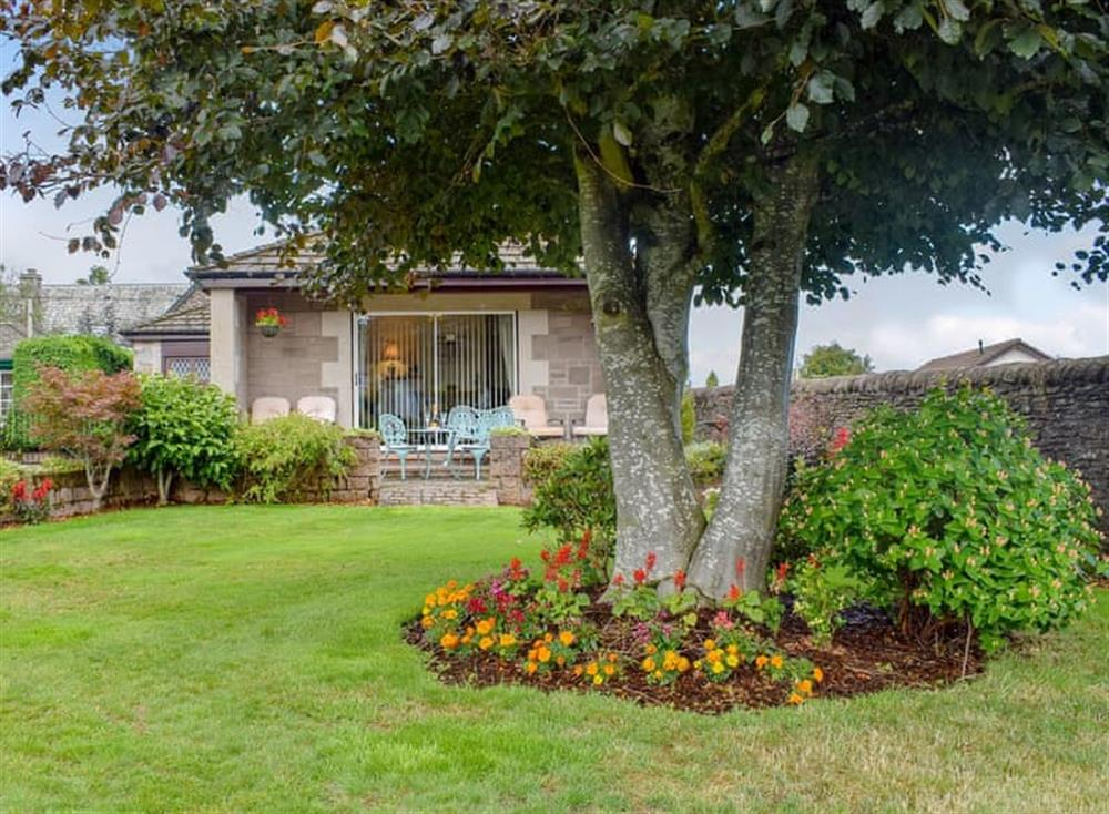 Delightful holiday home at Craigrossie Cottage in Auchterarder, Perthshire