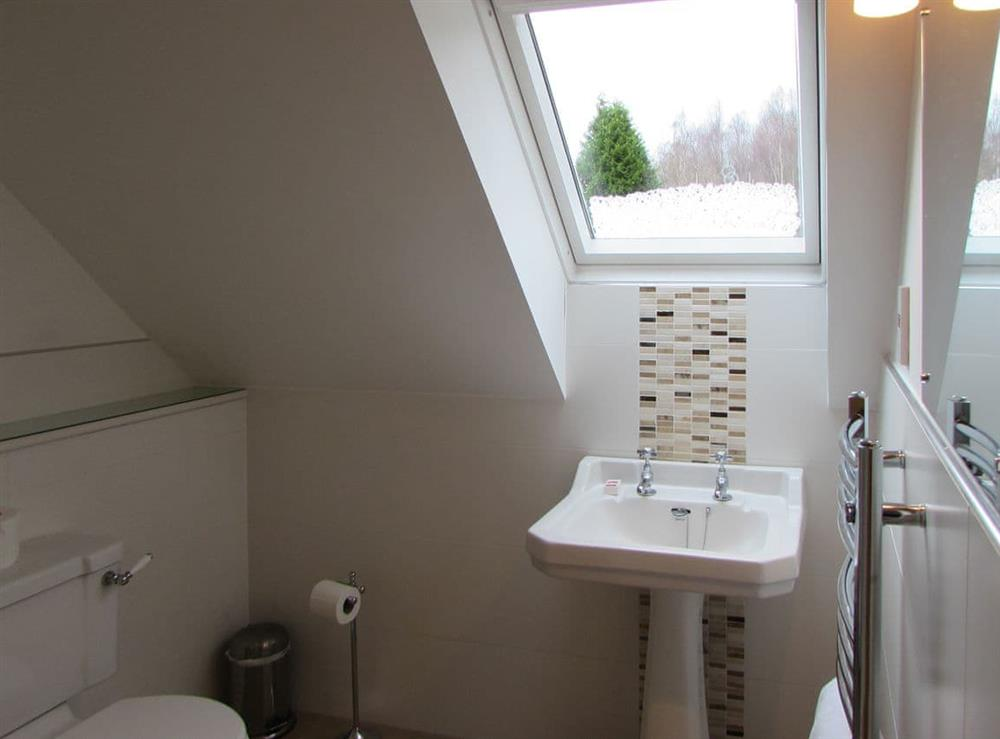 Shower room at Pipers Cottage,