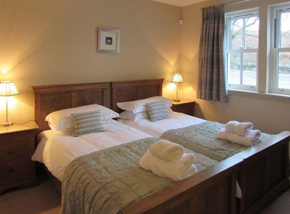 Twin bedroom (photo 2) at Pipers Cottage,