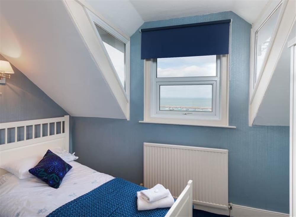 Twin bedroom (photo 2) at Creels in Brixham, South Devon