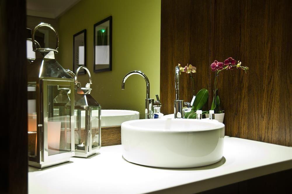 Enjoy the use of the luxury facilities of the Dart Marina Health Spa (photo 2) at Crew House in Dart Marina, Dartmouth