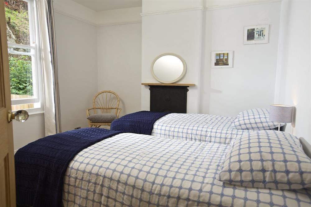 Twin bedroom with zip and link beds which can be made into a double at Crew House in Dart Marina, Dartmouth