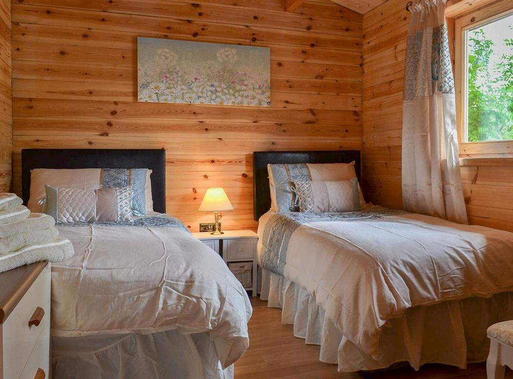 Cosy twin bedded room