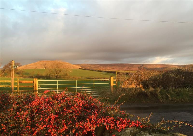 The setting around Cuthbert Hill Farm