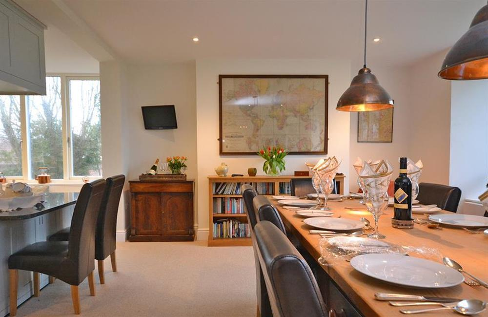 Another view of the open plan kitchen and dining area at Cuttery House, East Allington