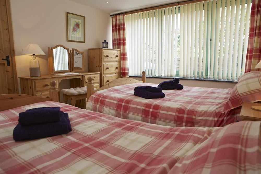 Family bedroom with Queen-size bed and additional single bed (photo 2) at Daisy in Blackawton, Dartmouth
