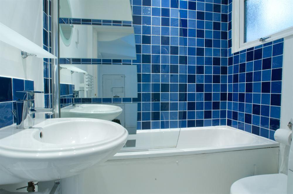 Bathroom at Dart Views in 98 Above Town, Dartmouth