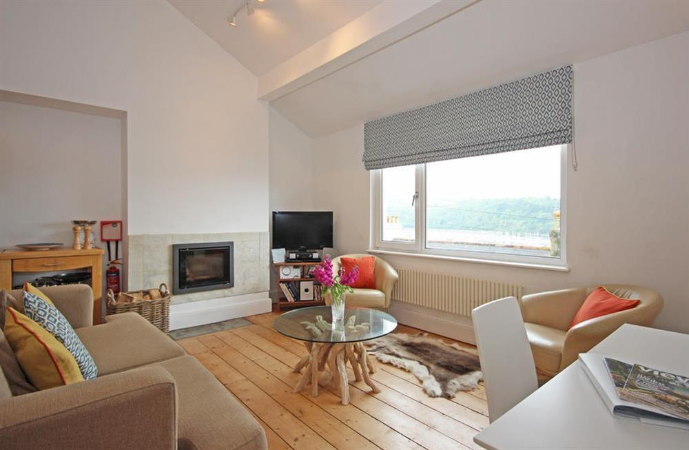 Comfortable open plan sitting/dining area with river views at Dart Views in 98 Above Town, Dartmouth