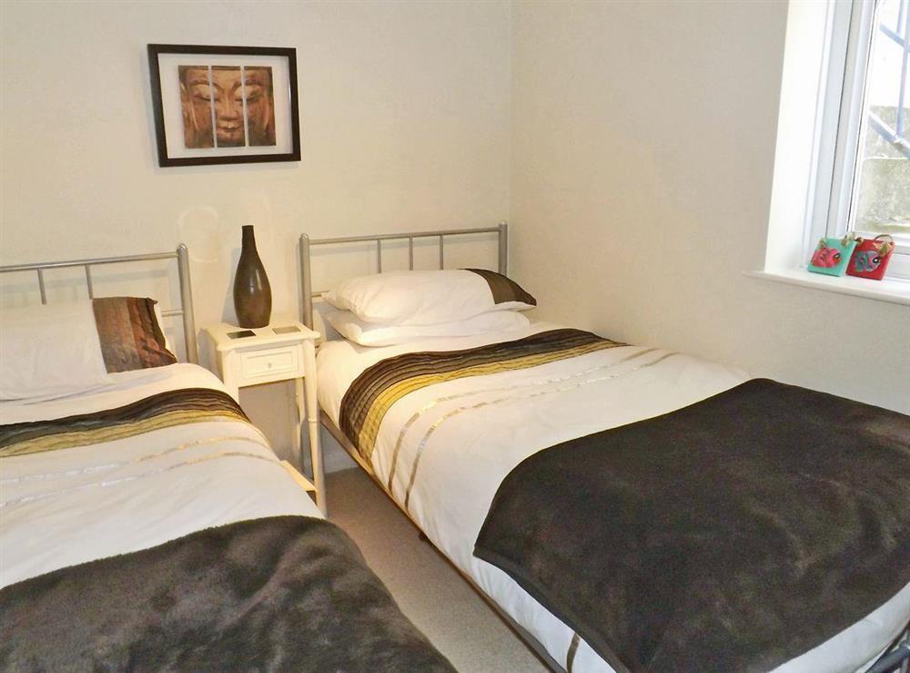Twin bedroom at Dartview in Dartmouth, Devon