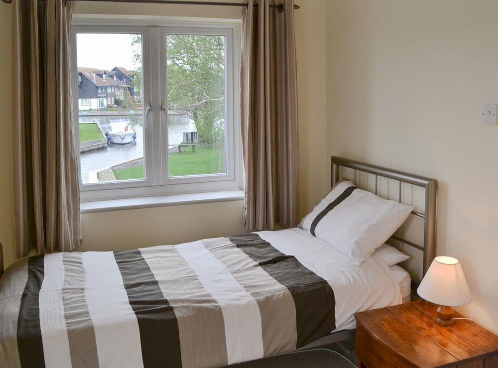 Comfy twin bedroom at Davids Island in Wroxham, Norfolk