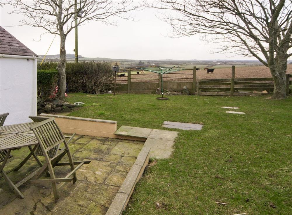 Garden at Deuglawdd Cottage in Aberdaron, near Pwllheli, Gwynedd