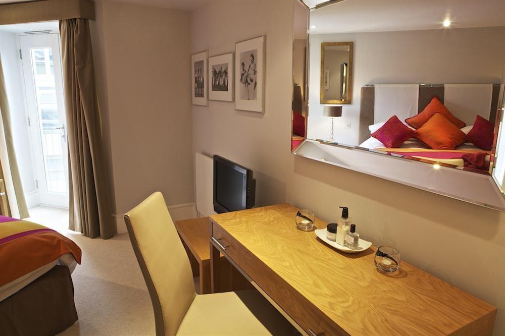 Beautifully presented master bedroom at Diddly Squat, 43 Dart Marina in , Dart Marina