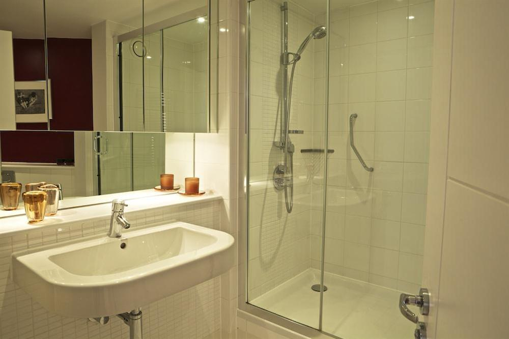 Ensuite shower room at Diddly Squat, 43 Dart Marina in , Dart Marina