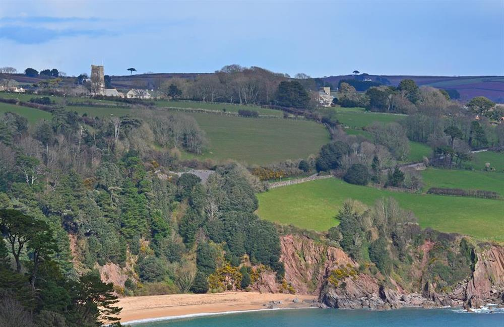Nearby Blackpool sands, a great family beach with a cafe and restaurant at Driftwood, Dartmouth