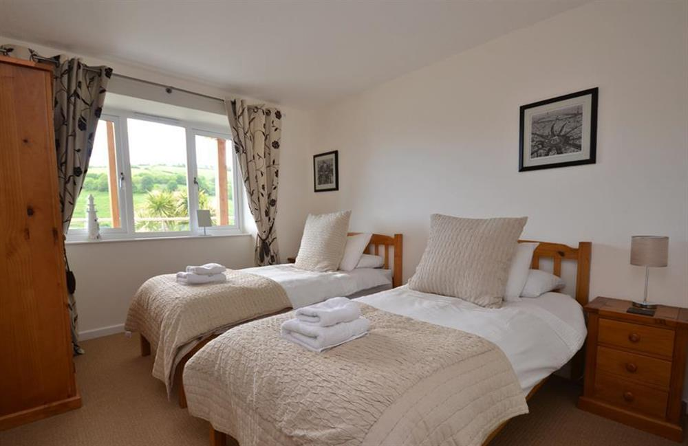 The twin bedroom at Driftwood, Dartmouth