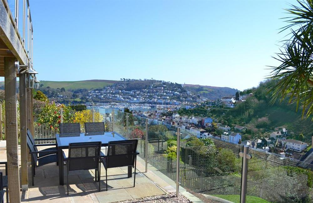 Welcome to Driftwood in Dartmouth and enjoy the stunning views across Dartmouth and the River Dart at Driftwood, Dartmouth