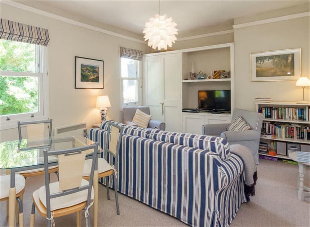 Well presented open plan living space at Driftwood in Stoke Fleming, Devon