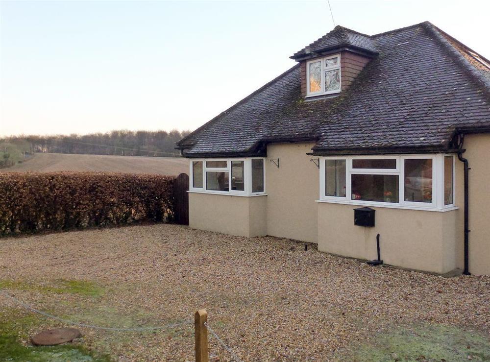 Rural location at Dunley Den in Woodmancott, near Winchester, Hampshire
