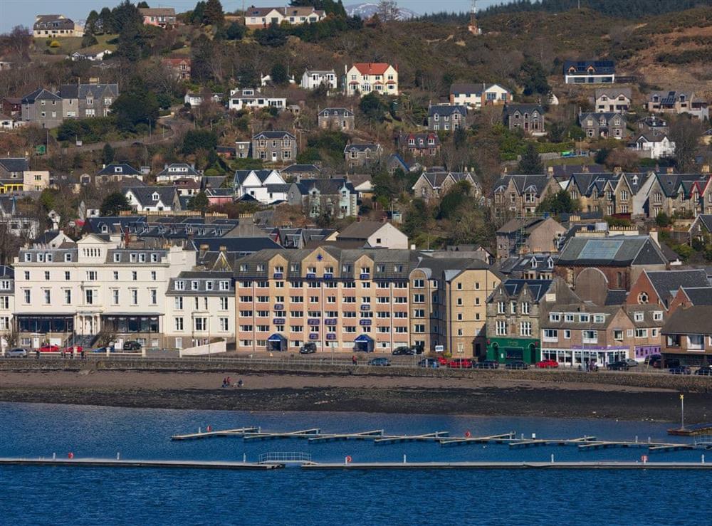 Apartments and marina at Lunga 2,