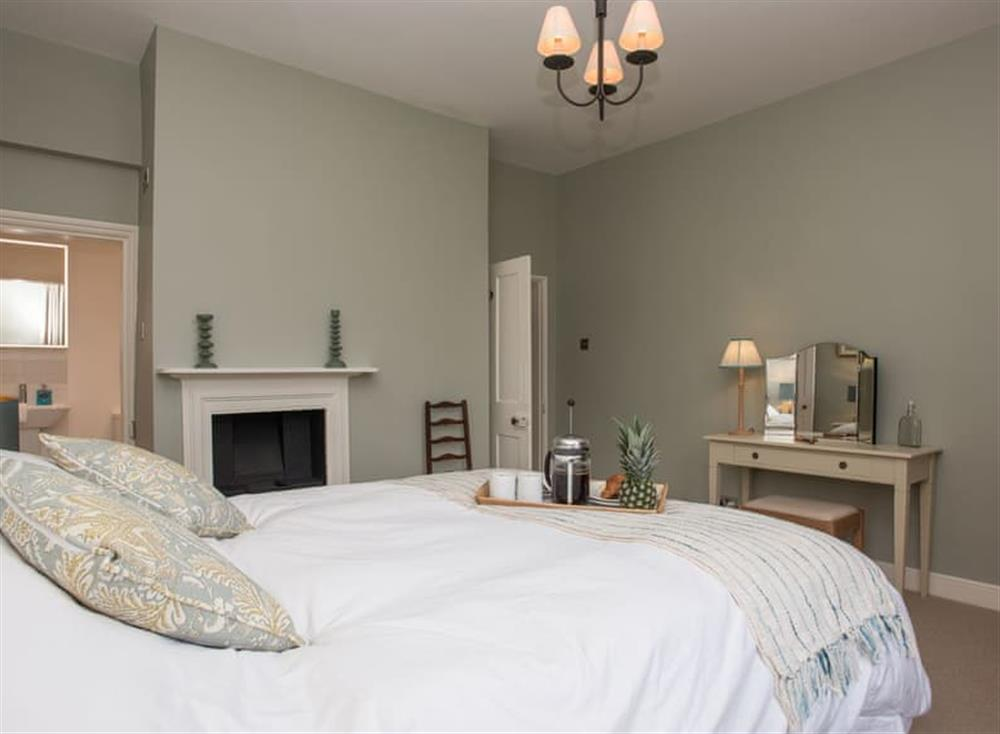 double bedroom with en-suite at Estate Cottage in Warstead, near North Walsham, Norfolk