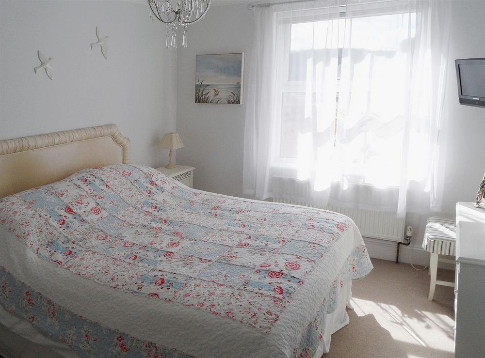 Light and airy bedroom at Evelyn Cottage in Dartmouth, Devon