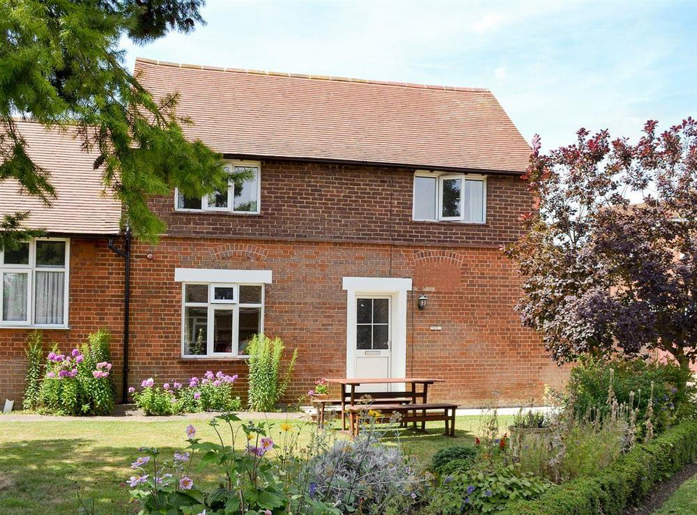 Immaculately presented cottage at Eventide in Broom, near Biggleswade, Bedfordshire