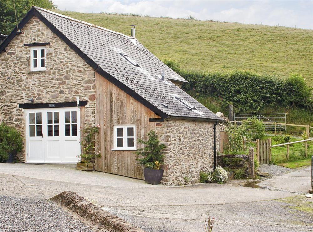 Lovely cottage in country setting