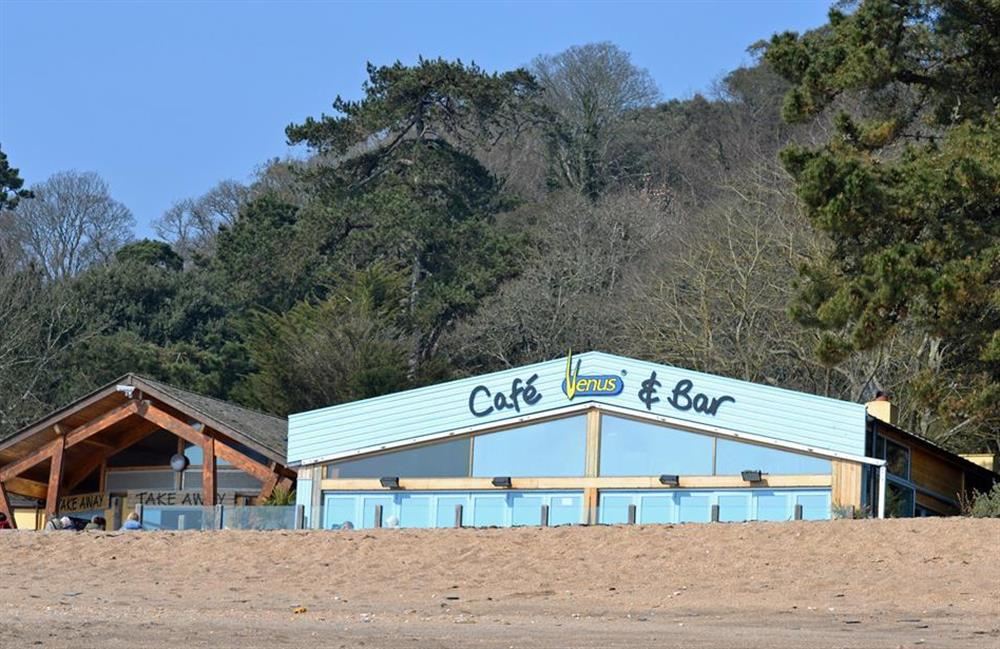 Enjoy a relaxing meal at nearby Blackpool Sands at Fairwinds, Strete