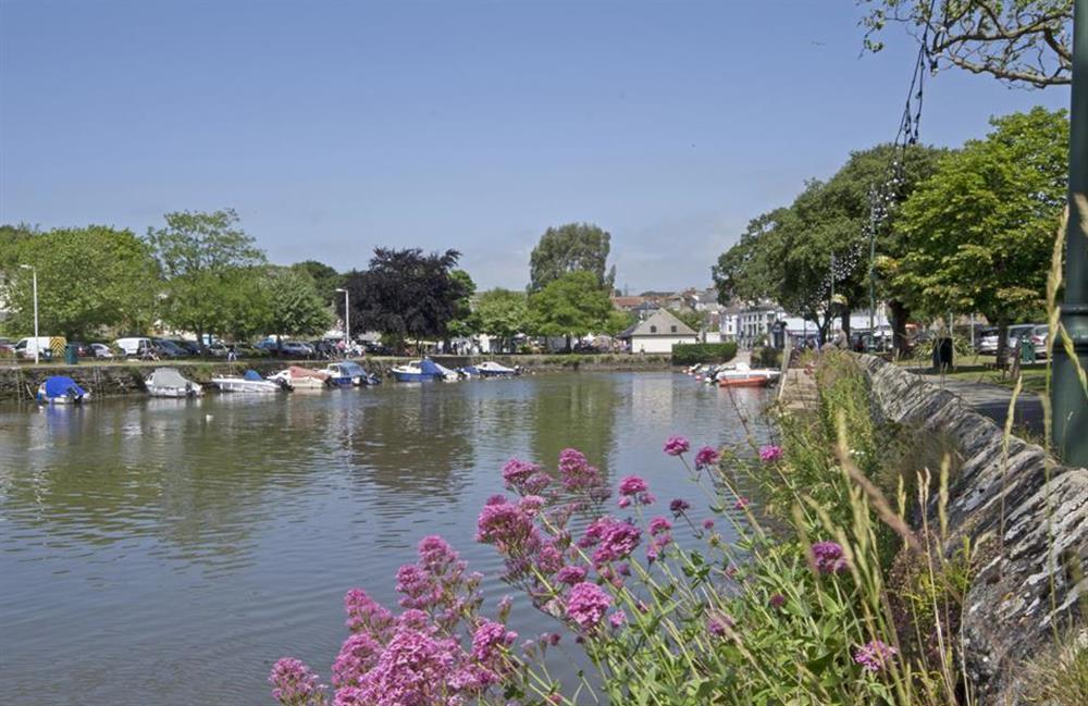 Take a stroll along the estuary into Kingsbridge at Fairwinds, Strete