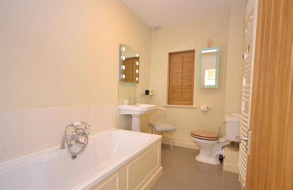 The family bathroom at Fairyfield, Stoke Fleming