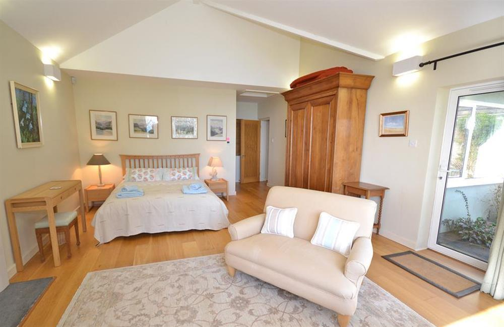 The master bedroom at Fairyfield, Stoke Fleming